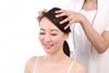 30代女性が抜け毛で悩んでいる!30代女性の抜け毛の原因と対策は?