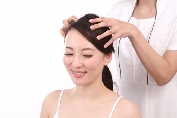 女性用育毛剤「長春毛精」は有効成分が含まる医薬部外品です